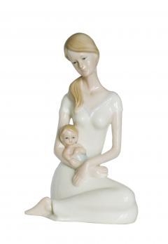 Фарфоровая статуэтка для интерьера